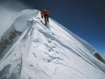 04d-Meroi_Manaslu 2008 - Nives verso la cima